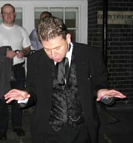 Richard Jones guiding a haunted London tour.